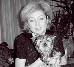 Елена Водорезова и её йорк Карди.